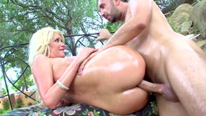 asian mistress pissing slave