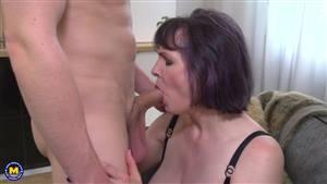 amateur wife sharing blowjob