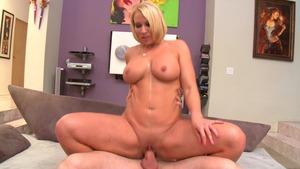 chubby girl strip webcam
